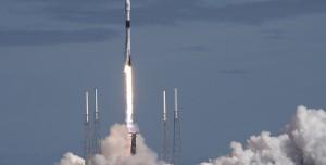 SpaceX Yeni Starlink Uydularını Yörüngeye Yerleştirdi (Video)