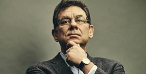 Pfizer CEO'su Aşı Oldu: Kendi Aşısı için Sıra Bekledi!