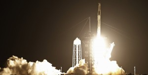 SpaceX, Crew Dragon ile Dört Astronotu ISS'e Fırlattı
