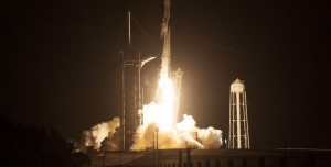 SpaceX Kapsülünde Uzay Çöpü Gerilimi: Az Kalsın Çarpıyordu