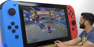 Bir YouTuber Dünyanın En Büyük Nintendo Switch Konsolunu Yaptı