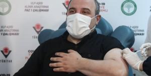 Bakan Mustafa Varank Yerli Koronavirüs Aşısı Oldu