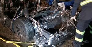 Kaza Yapan Tesla'nın İçinde Şoför Varmış: Rapor Yayınlandı