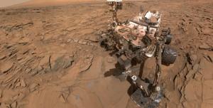 NASA, Mars Dağlarında Gezinen Curiosity'i Havadan Görüntüledi