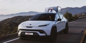 ABD'li Elektrikli Araba Üreticisi Papa'ya Özel Araç Tasarladı