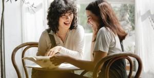 Dedikodu Sosyal Bağları Güçlendiriyor mu? İşte Araştırma