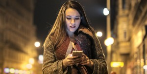 Signal'ın Reklamı, Facebook'un Topladığı Bilgileri Ortaya Çıkardı