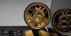 El Salvador Bitcoin'i Resmi Ödeme Aracı Yaparak Hata mı Etti?