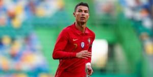 Ronaldo Instagram'da 300 Milyon Takipçiyle Rekor Kırdı