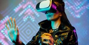 Zuckerberg: Artırılmış Gerçeklik Gözlüğü Her Şeyi Dijitale Dönüştürecek