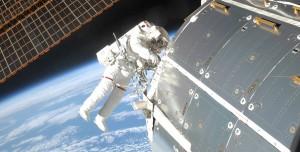 Çinli Taykonotlar İlk Defa Uzay Yürüyüşü Yaptı