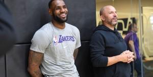 NBA Koçu, Android Kullanan Oyuncu Yüzünden Takımı Cezalandırdı