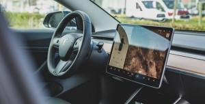 Tesla Araç Sahiplerine 625 Dolar Ödeyecek: 1,5 Milyon Dolarlık Ceza