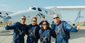 Virgin Galactic ve Richard Branson İlk Uzay Uçuşunu Tamamladı