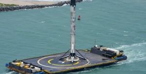 SpaceX, Gece Yarısı Okyanus Ortasına Falcon 9 İndirdi (Video)