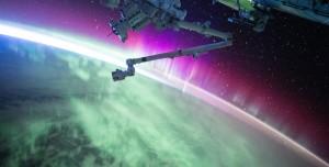 Hubble Uzay Teleskobu İki Galaksinin Birleşme Anını Yakaladı
