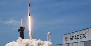 Elon Musk SpaceX ile Dünyanın İlk Trilyoneri Olabilir