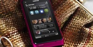 Nokia Pembe N8'i Tanıttı