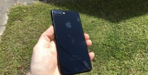 Jet Black iPhone 7 Kılıfsız Kullanmak Mümkün mü?