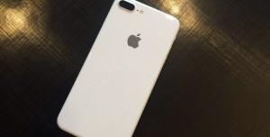 iPhone 7'nin 'Jet White' Renk Seçeneği Çarpıcı Görünüyor