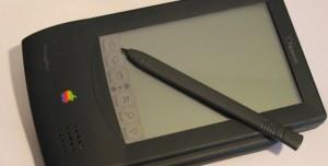 Tarihte Bugün: Apple, İlk PDA'sı Newton MessagePad'i Tanıttı