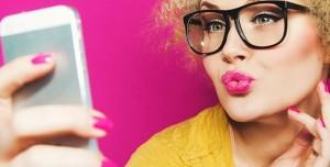Çektiğiniz Selfieler Sizi Sosyal Medyada Nasıl Tanımlıyor?