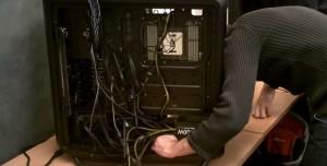 PC Kablolarını Kasanın İçinde Derli Toplu Tutmanın 3 Yolu