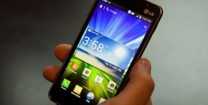 En Ucuz Kıvrımlı Akıllı Telefon LG Escape 2 Sessiz Sedasız Satışa çıktı