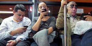 Akıllı Telefona Bağımlı Olmamak İçin İzlenecek 5 Yol