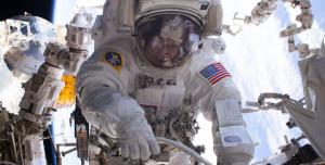 En Yaşlı Kadın Astronot, Erkeklerin Rekorunu da Kırdı