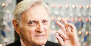 Lityum İyon Pillerin 94 Yaşındaki Mucidi, Yeni Süper Pil Geliştirdi