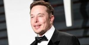 Elon Musk, Tünel Açma Makinesi için İsim Önerilerinizi Bekliyor