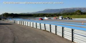 Saatte 333 KM Hız ile Ferrari'yi Geçen Roketli Bisiklet