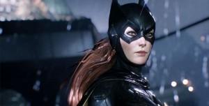 Batman: Arkham Knight Batgirl Ek Pakedi