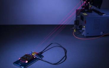 Araştırmacılar, Lazer Kullanarak Akıllı Telefonu Şarj Etmeyi Başardı