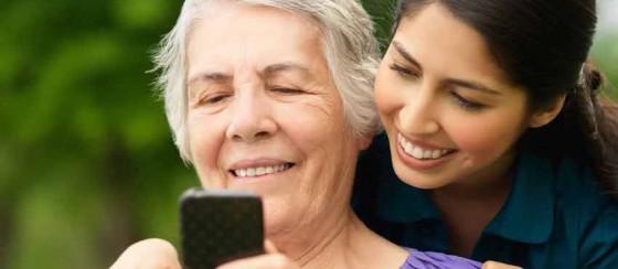 İlk Defa Akıllı Telefon Kullanacak Birine Nasıl Yardım Edersiniz?