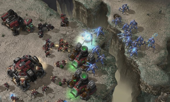 Starcraft 2: Heart of the Swarm Ekran Görüntüleri - 11