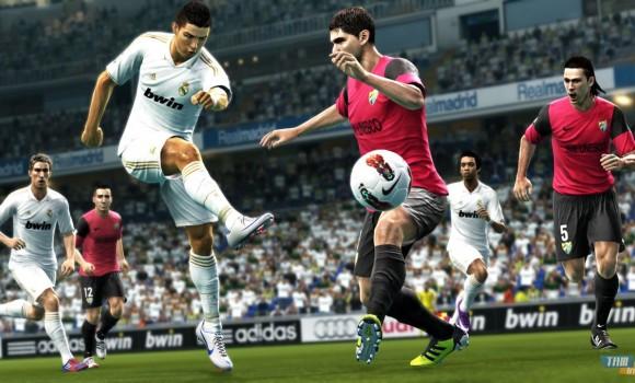 Pro Evolution Soccer 2013 Demo 2 Ekran Görüntüleri - 1