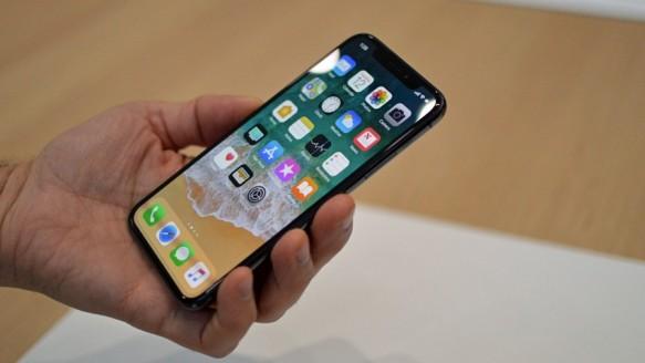 Apple'dan 'Ucuz iPhone X' Hamlesi