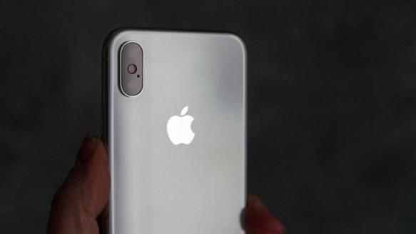 İşte Ucuz iPhone'un Fiyatı