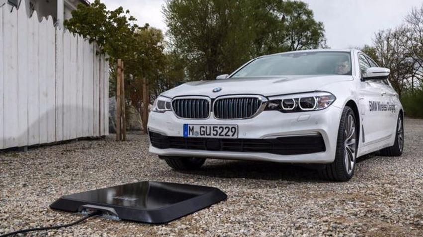 BMW'nin Elektrikli Otomobilleri Kablosuz Olarak Şarj Edilecek