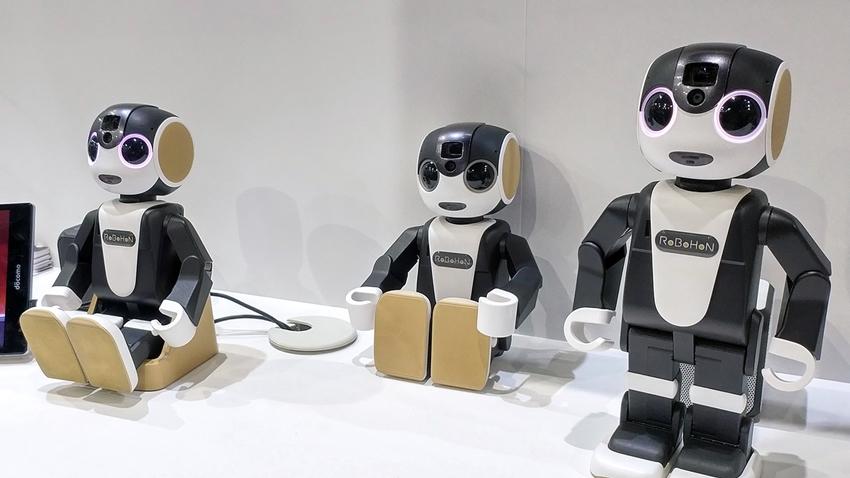 Sharp'ın Akıllı Robot Telefonu Artık Daha Uygun Fiyata Sahip!