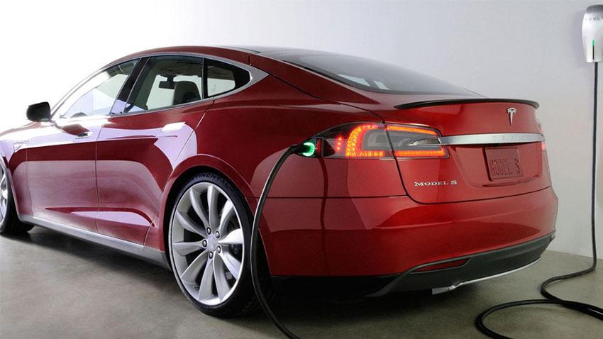 Tesla Model S Şarj
