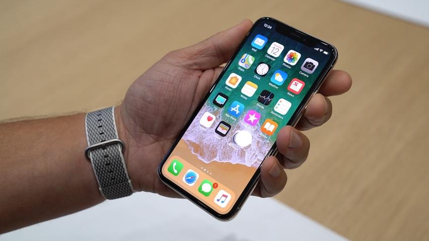 Android Üreticilerinin Hedefinde, iPhone X'teki Face ID Teknolojisi Var