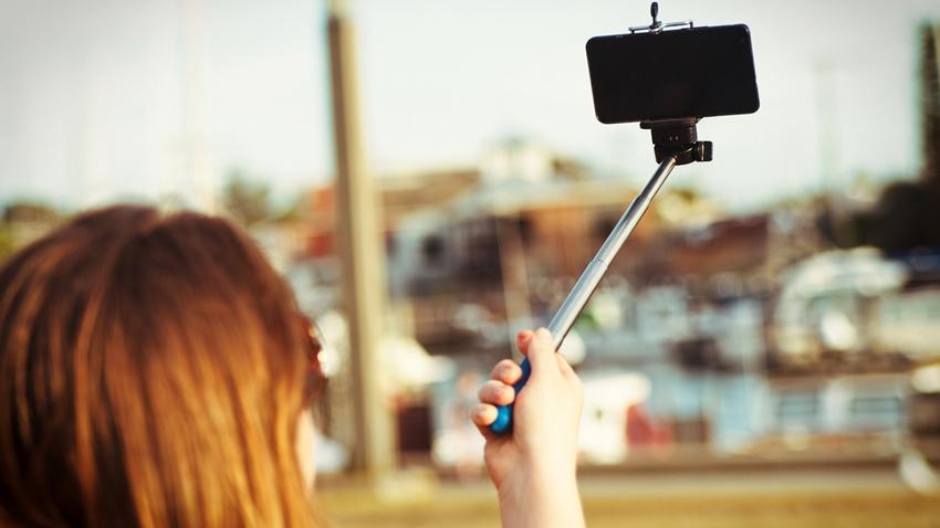 Çıplak Selfie Çekilmek Uğruna Canından Oldu