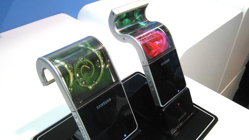 Samsung'un, Katlanabilir Ekranlı Akıllı Telefonundan Haber Var