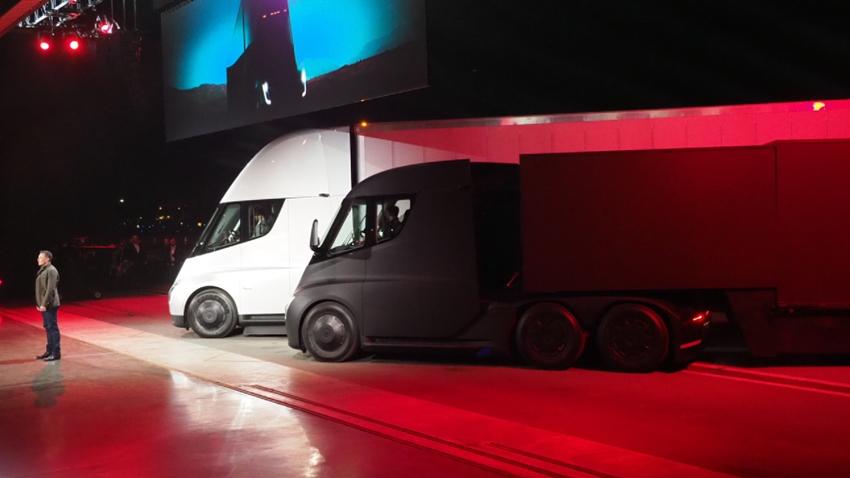 Tesla'nın Elektrikli Kamyonu 'Tesla Semi' Gün Yüzüne Çıktı!
