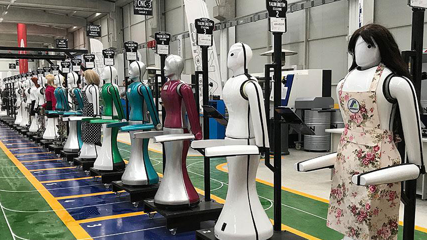 Türkiye'nin İlk İnsansı Robot Fabrikası Konya'da Açıldı