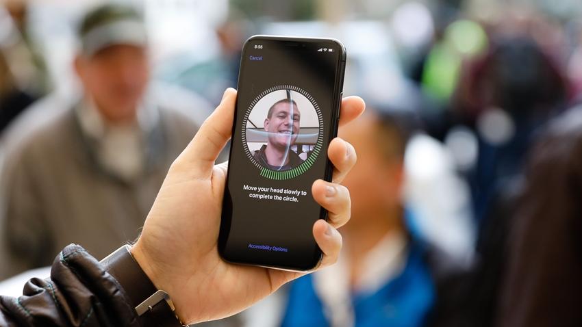 Apple'dan Finisar Şirketine 390 Milyon Dolarlık Yatırım