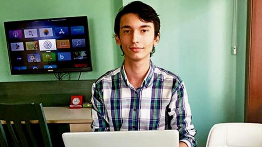 Siri'nin Önemli Açığını 16 Yaşındaki Yiğit Can Buldu